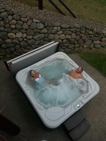 Hot Tub at Grindstone Lake