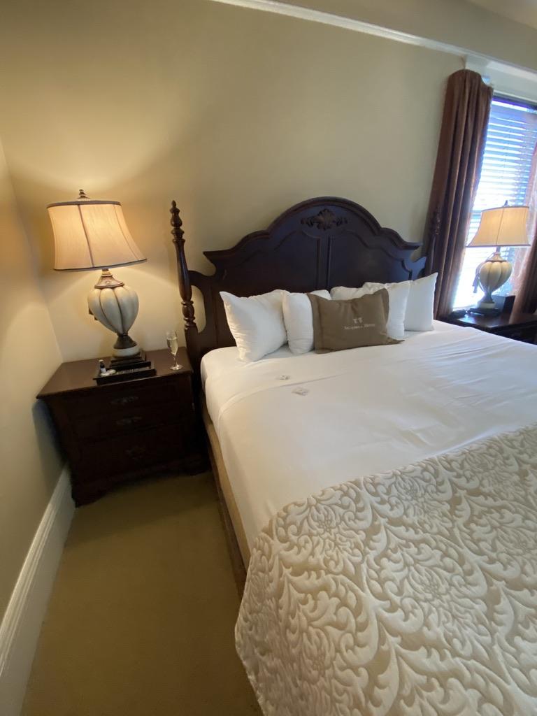 Sacajawea Hotel Bedroom